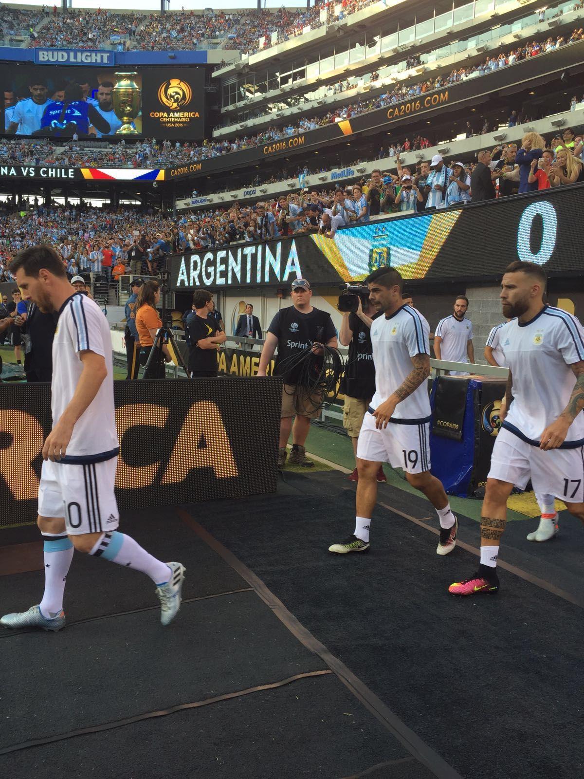 """Selección Argentina on Twitter: """"#CopaAmerica ¡@Argentina ya entra en calor en el campo de juego! https://t.co/duUEAGLbj7"""""""