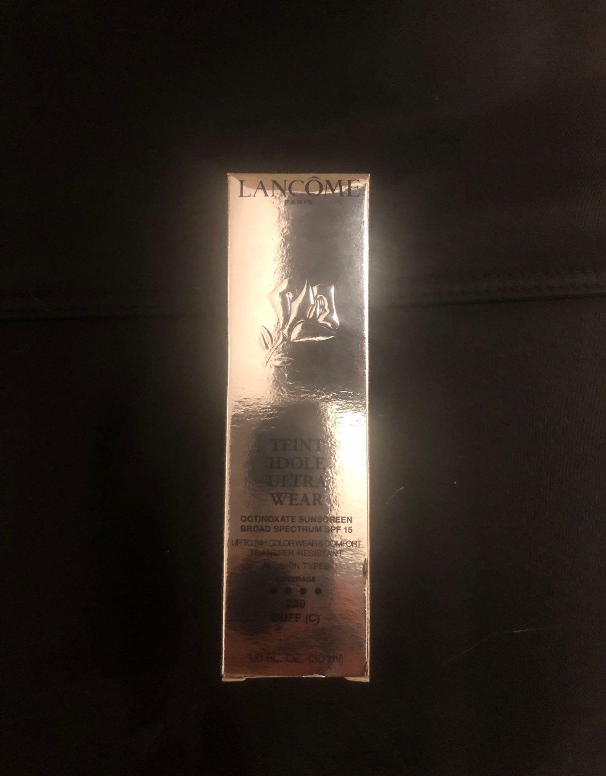Nars Velvet Matt Skin Tint NWT (With images) Nars makeup