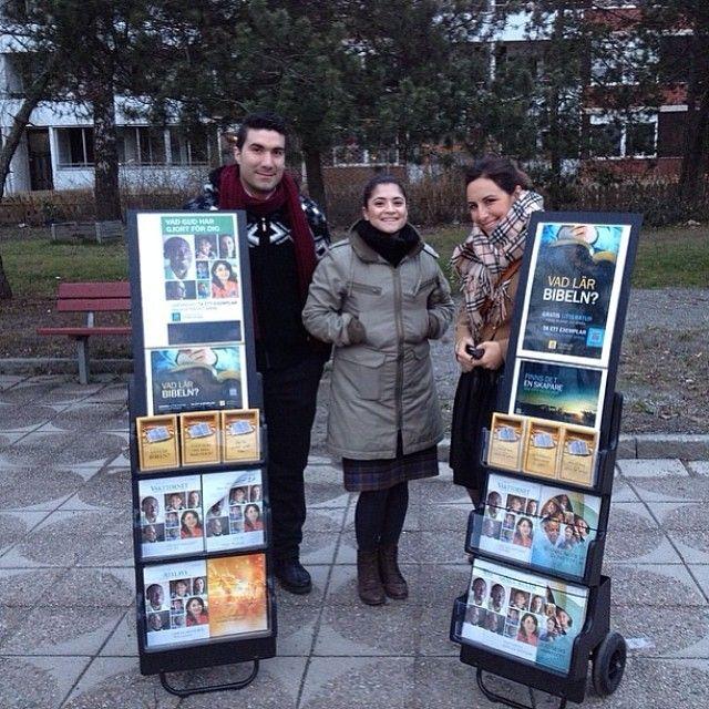 Public Witnessing The Good News of God's Kingdom in Vårby Gård