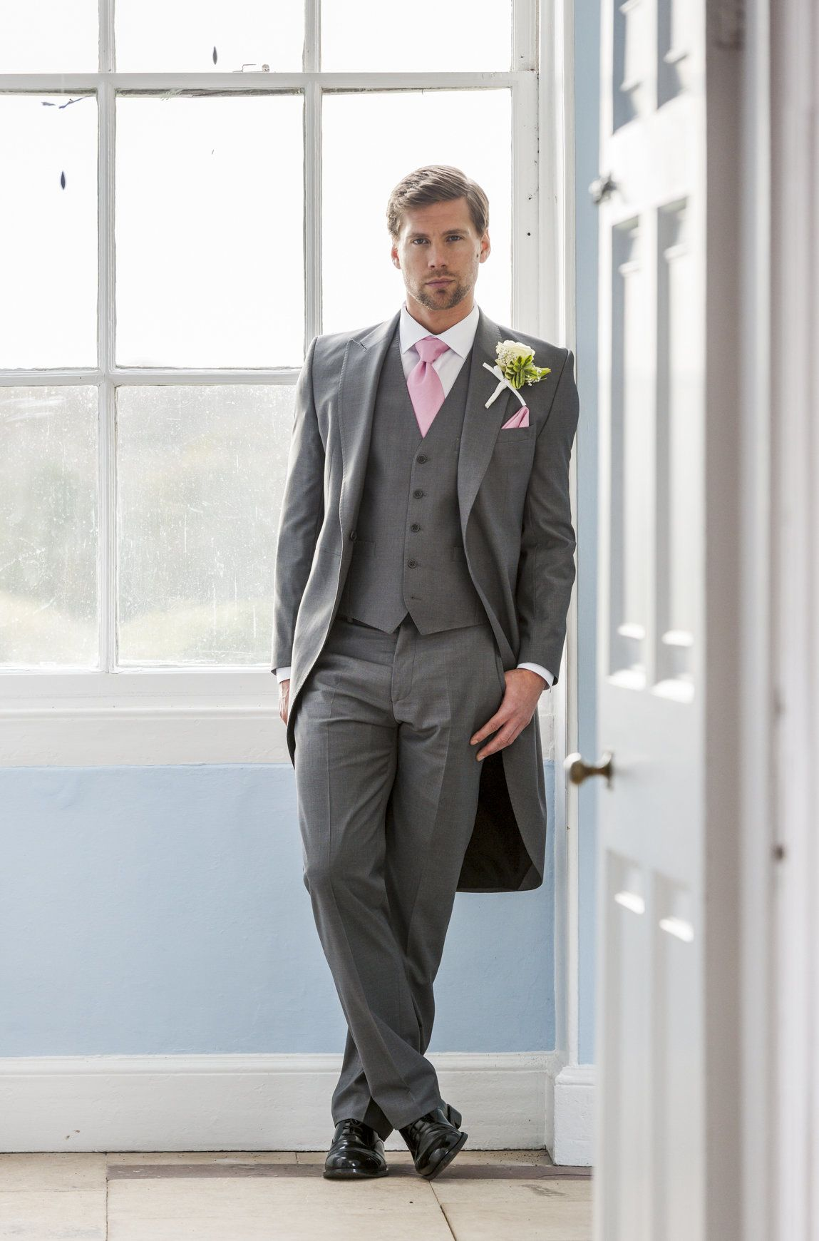 Young\'s Hire - Formal Wedding Suit Hire, Nationwide supplier with ...