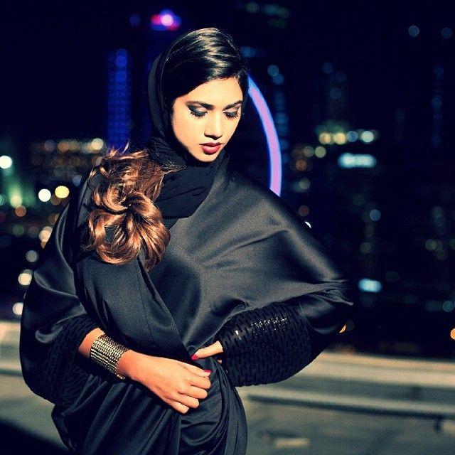 Al Motahajiba Signature On Instagram تدمج سيجنتشر التصميمات الفاخرة مع العادات و التقاليد التراثية Ascia Akf Confashions Instagram Posts Instagram Fashion