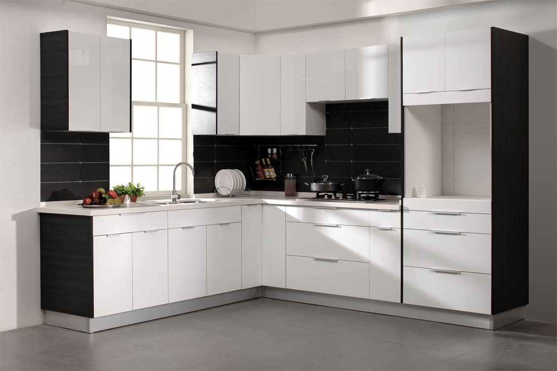 With An Amazing White Pearl Gloss Finish Durable Materials And A Smart Str Kitchen Cabinets European Style Kitchen Cabinet Styles High Gloss Kitchen Cabinets