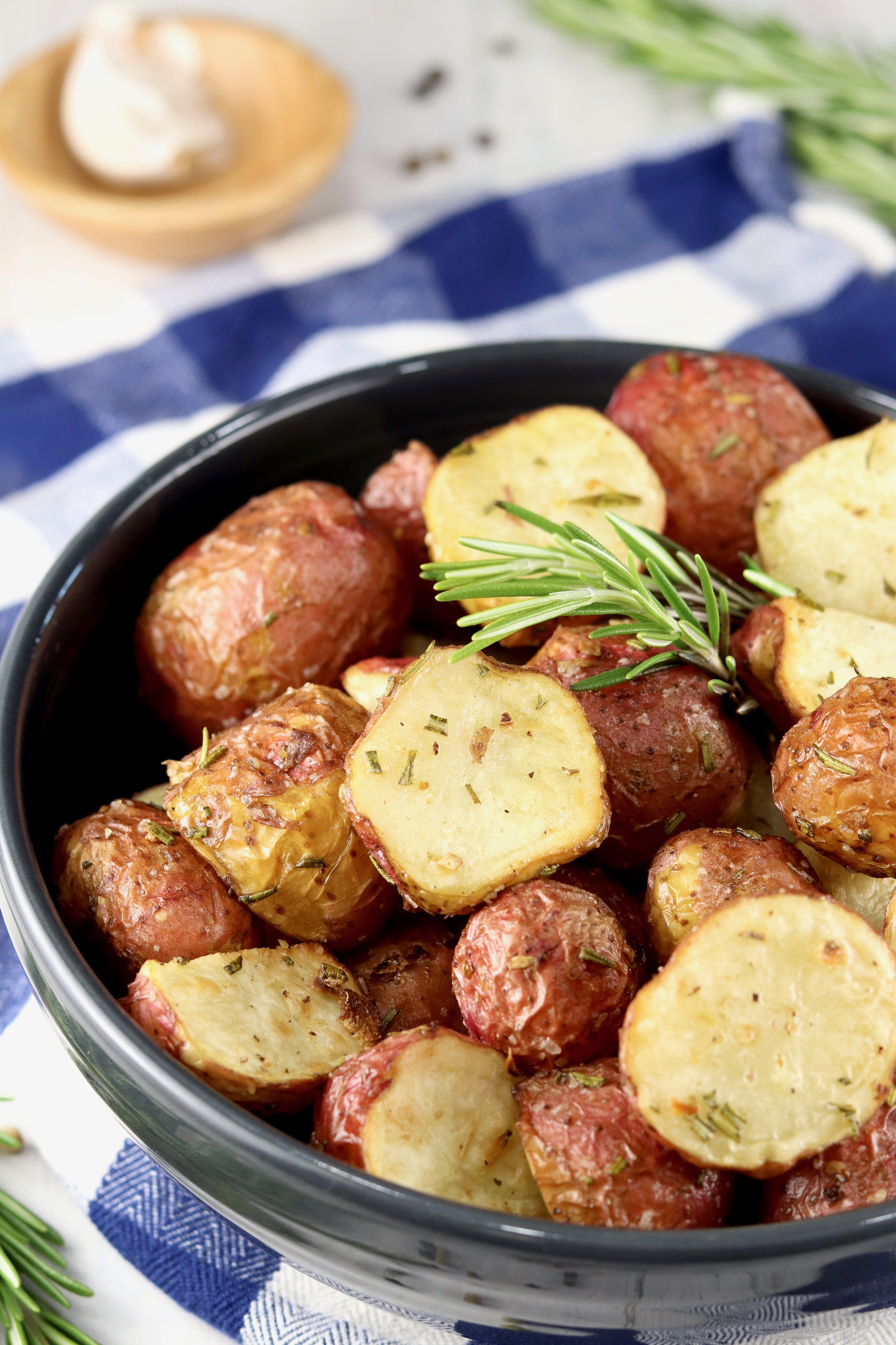 Air fryer roasted potatoes with garlic herbs miss in