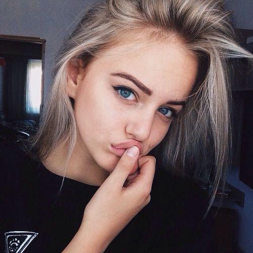 Teen blonde amateur