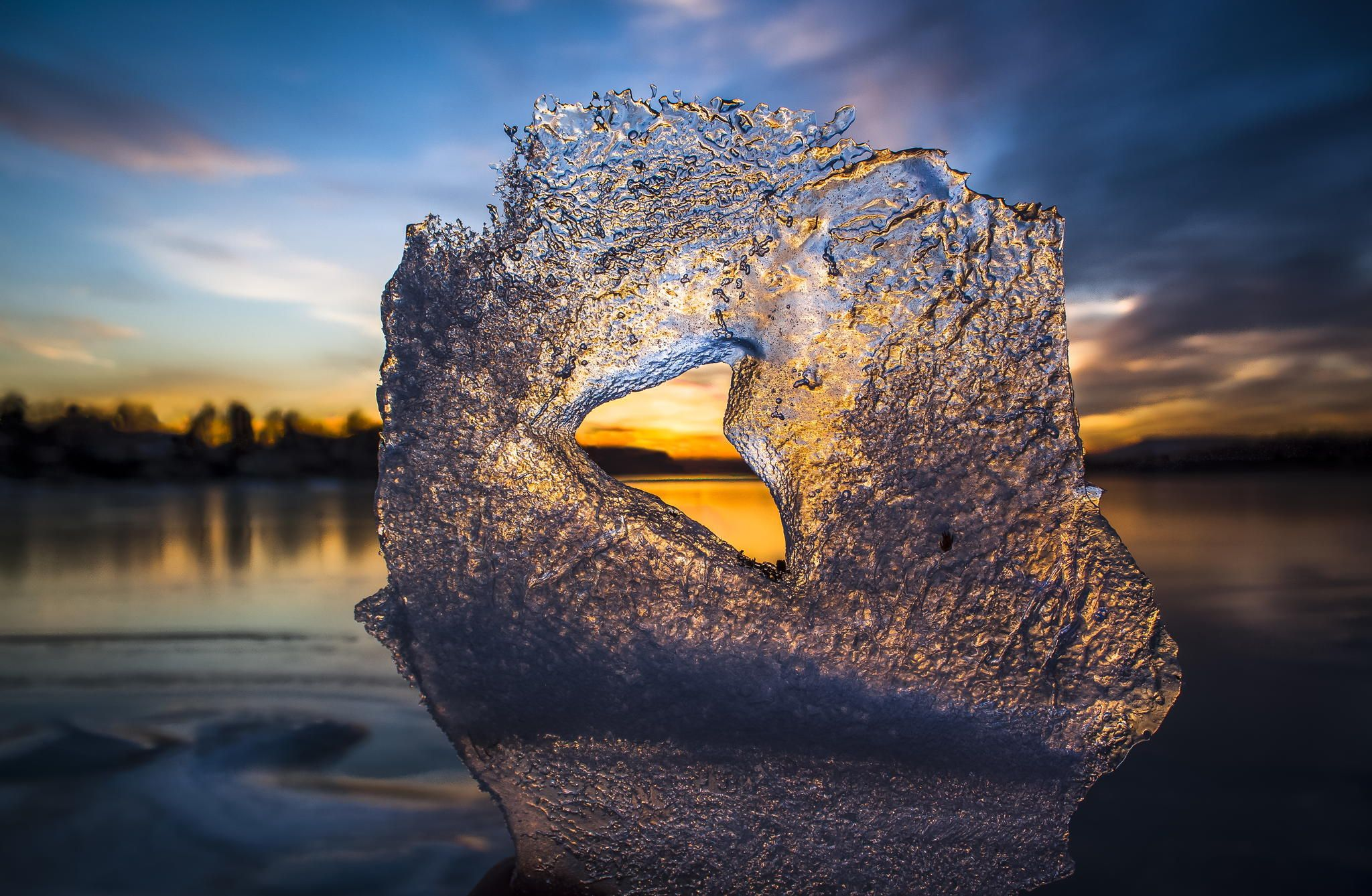 I found this Ice heart on one of my wintersunset spots and completely fell in love with it :)