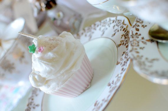 Cup Cake Candles scented with Cherry by Vintagebellecandles