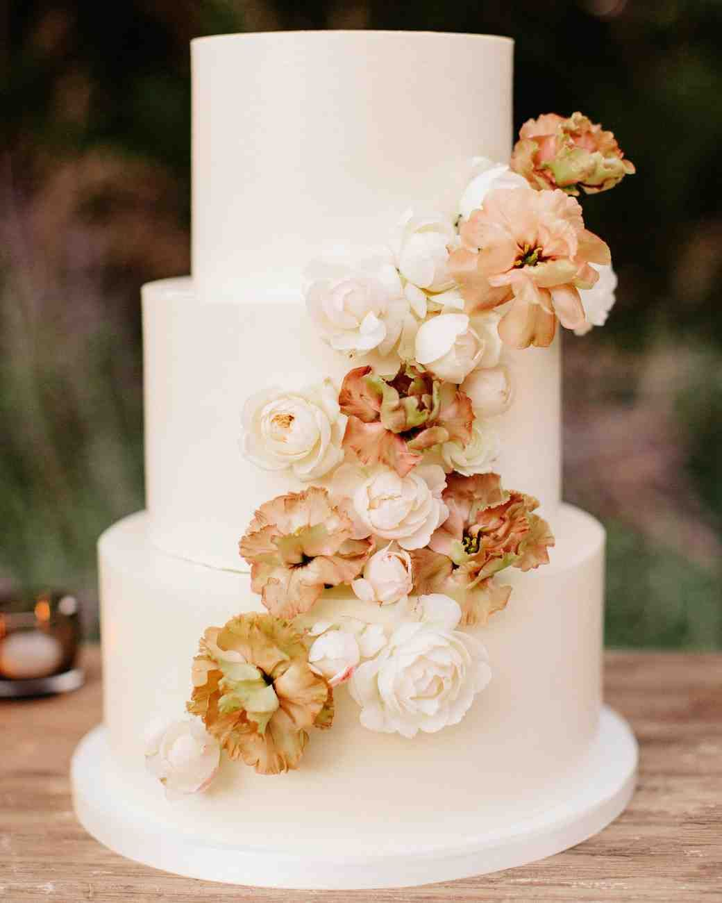 49 Fall Wedding Cakes We Re Obsessed With Simple Wedding Cake Wedding Cake Pictures Fall Wedding Cakes