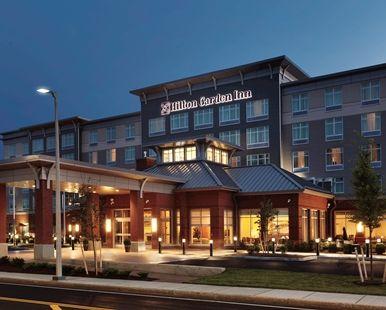 Hilton Garden Inn Boston Logan Airport Hotel Ma Hotel Exterior At Night Hilton Garden Inn Hotel Exterior Boston Hotels