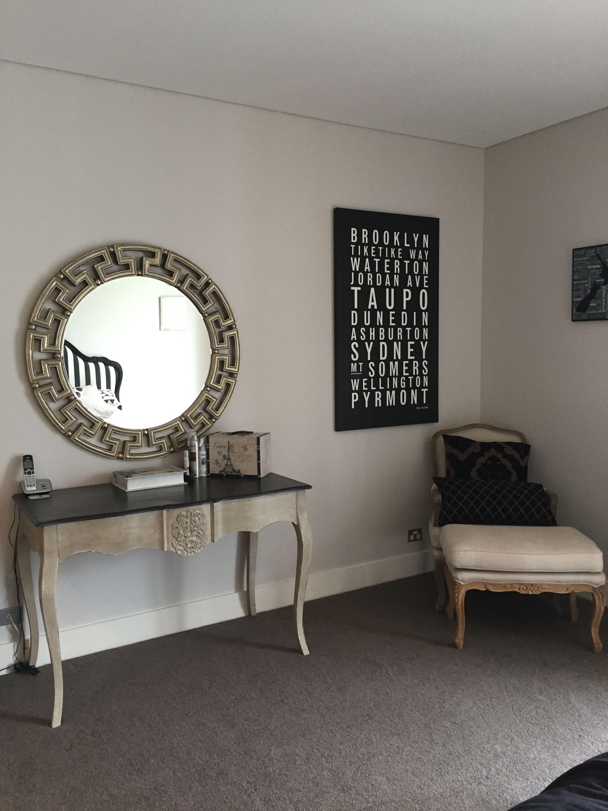 Dulux ghosting half walls dulux berkshire white - Interior colour combinations for walls ...