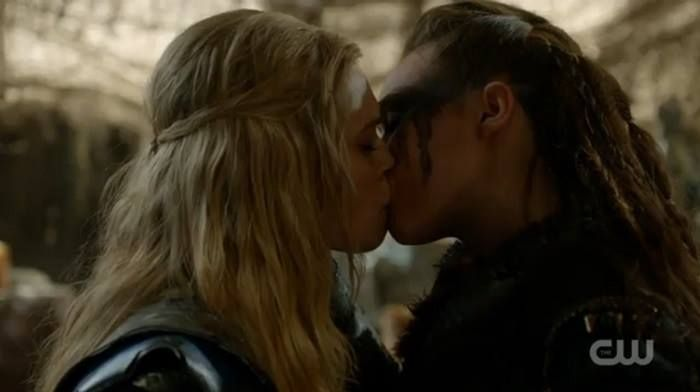 Kiss lexa 100 the commander Lexa (The