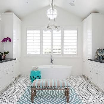 Stunning Black And White Master Bath Featuring Walls Shaker Cabinets
