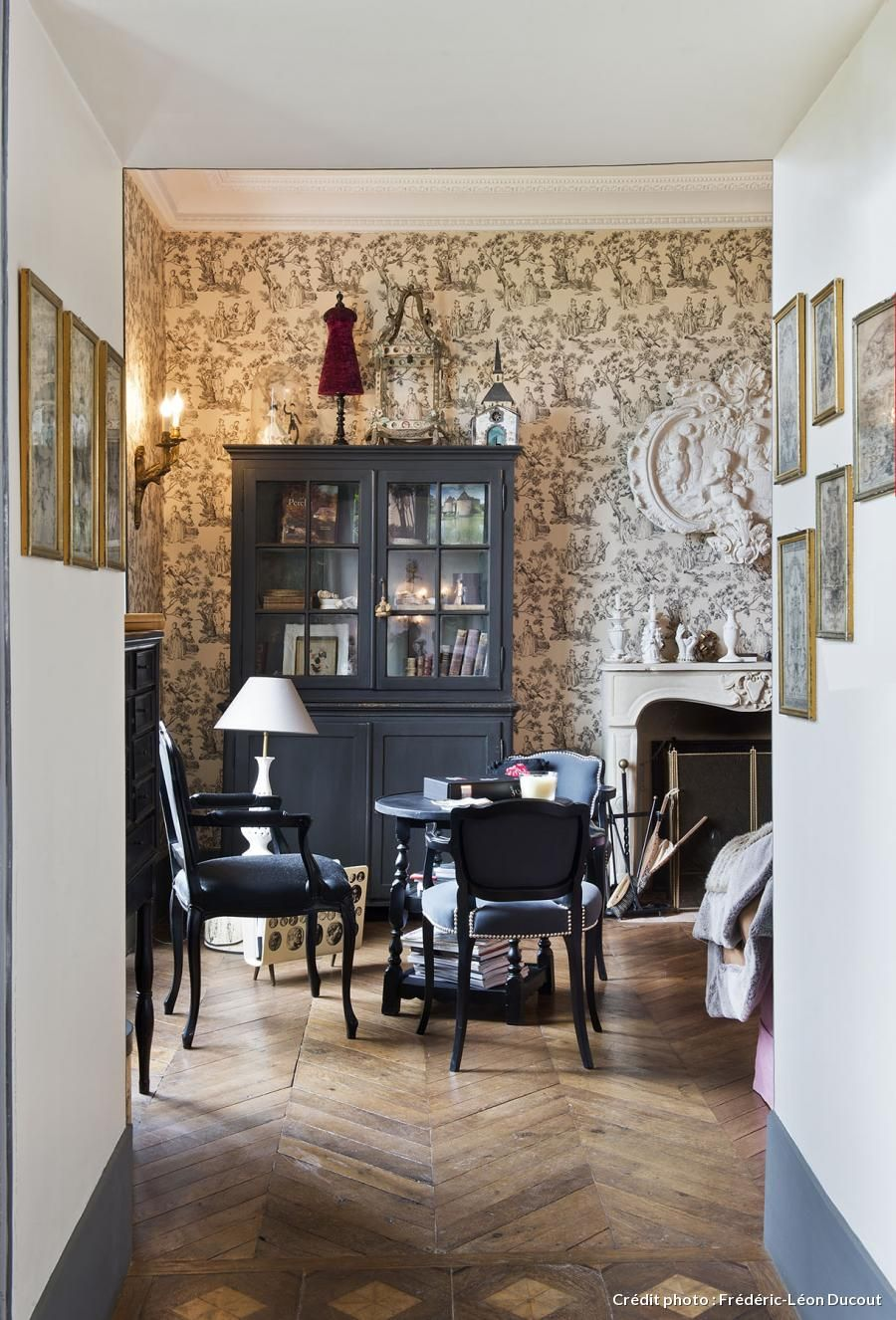 la maison de campagne de chantal thomass. Black Bedroom Furniture Sets. Home Design Ideas