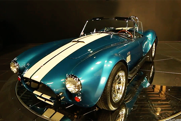 Carroll Shelby S Cobra Became One Of The Most Influential Cars In U S History And Changed Ford Forever Here S A Look Back Carroll Shelby Shelby Cobra Shelby