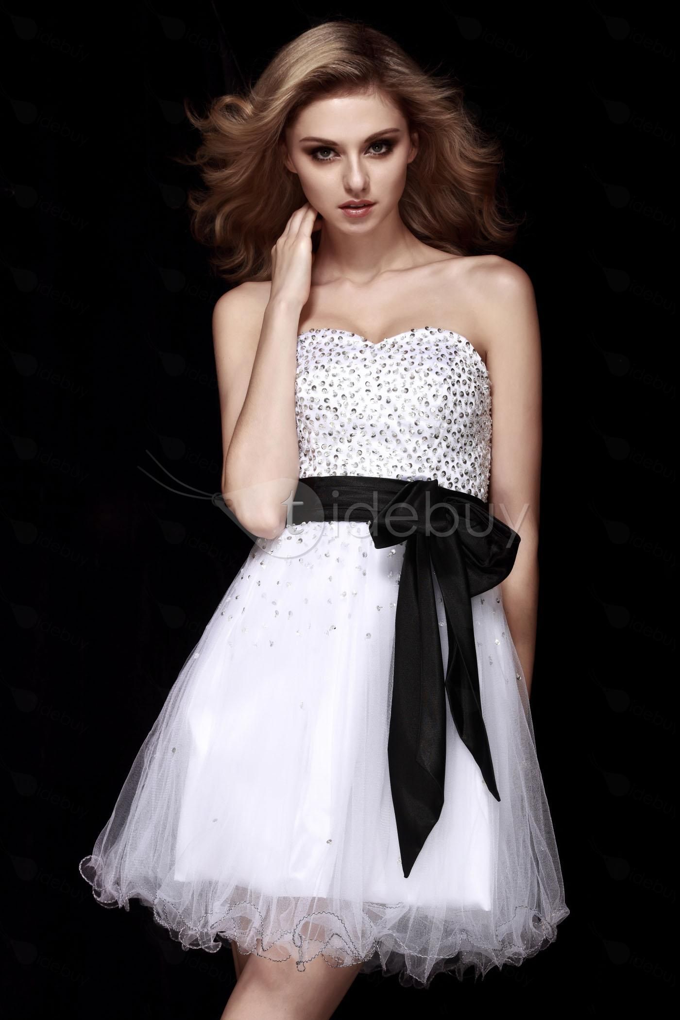 Fancy A-line Sweetheart Short/Mini Dasha's Cocktail/Homecoming Dress via Tidebuy. Black, white and sparkly, Grace Kelly/Lisa Fremont inspired.