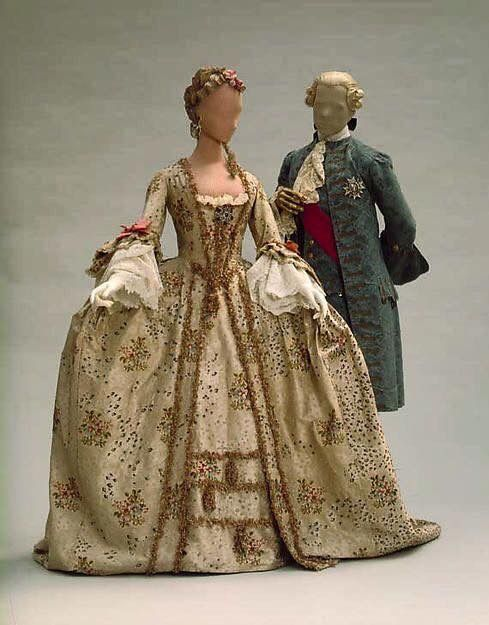 classic 1700s garb 1700s 18th century fashion