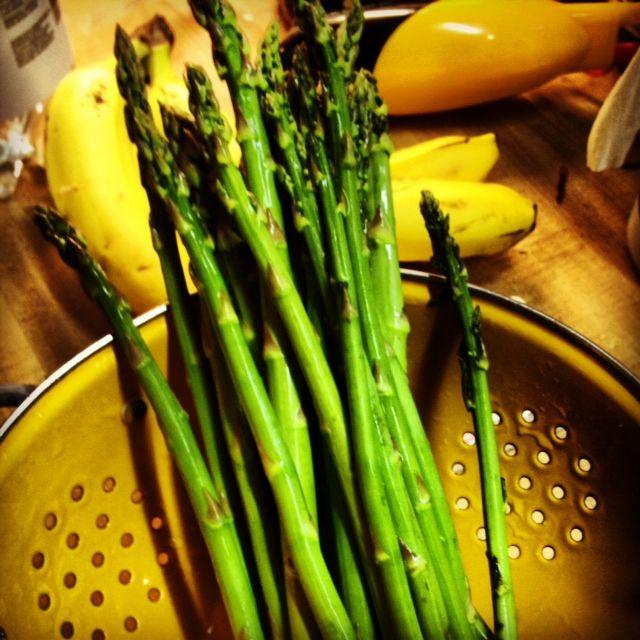 simple spring pasta with asparagus & penne #vegan