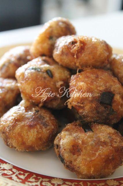 Azie Kitchen Begedil Yang Sedap Dimakan Begitu Sahaja Malay Food Pastry Cook Malaysian Food