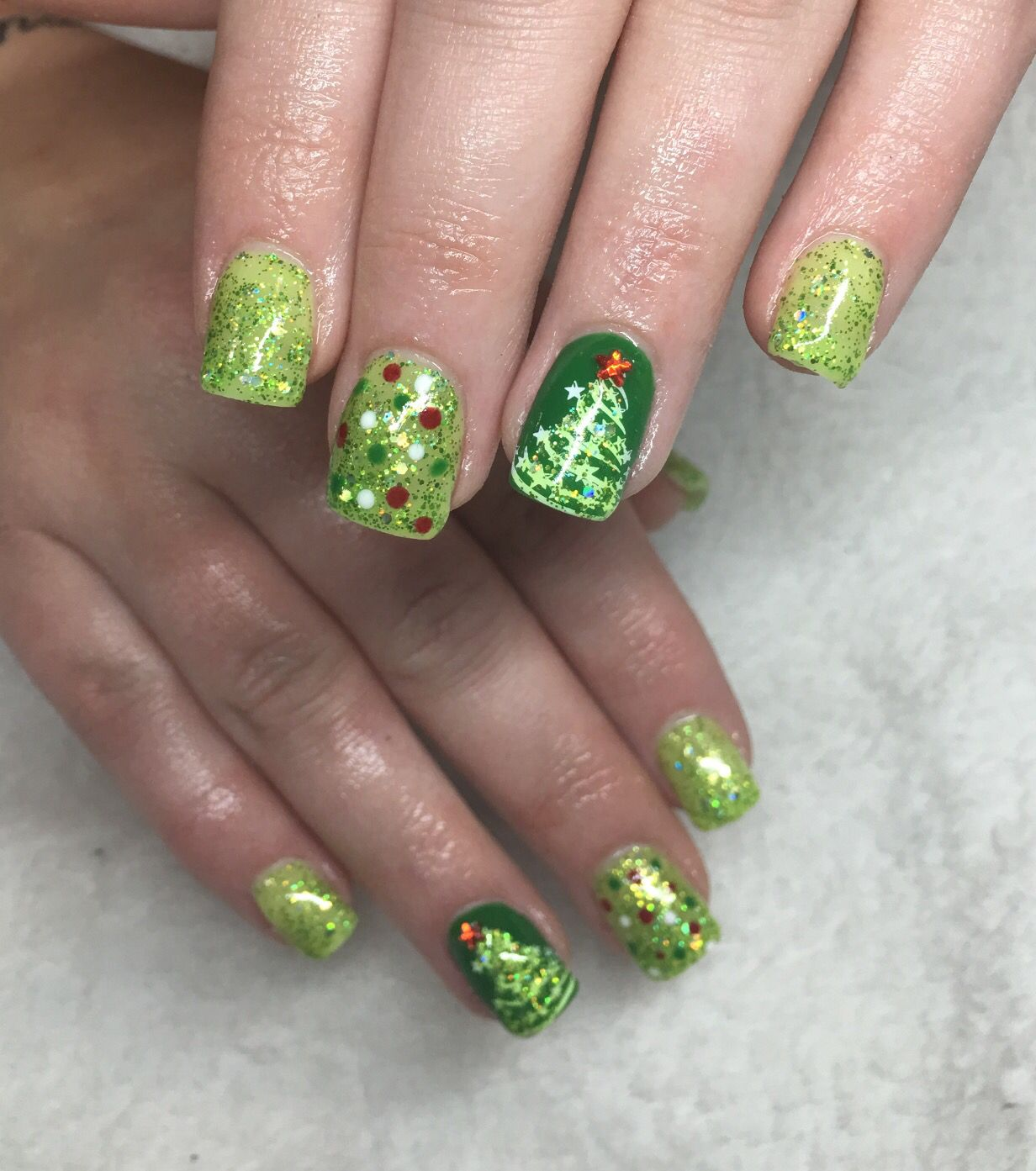 Green Christmas nails | Nail Art Community Pins ...