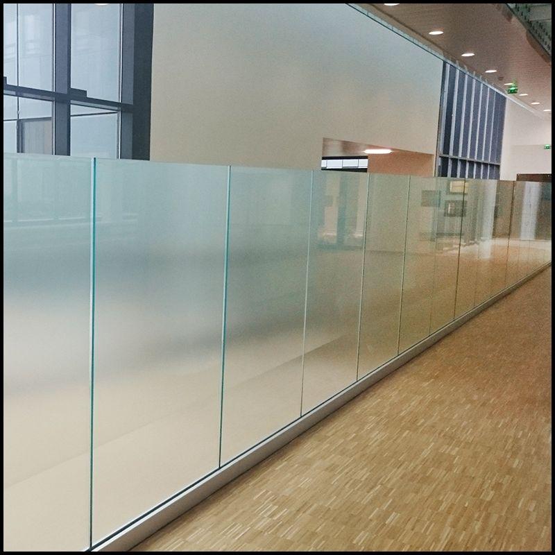 Garde-corps en verre avec profil verre trempé | Glass Balustrade ...