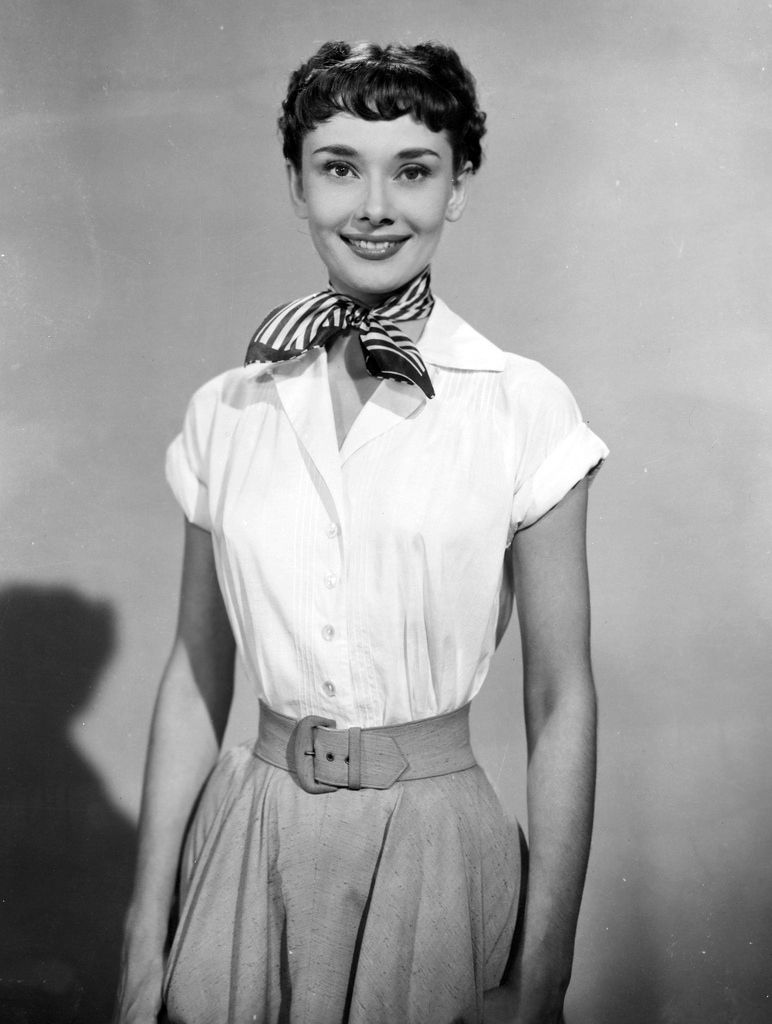 Audrey hepburn outfit info roman holiday dress for Audrey hepburn pictures to buy