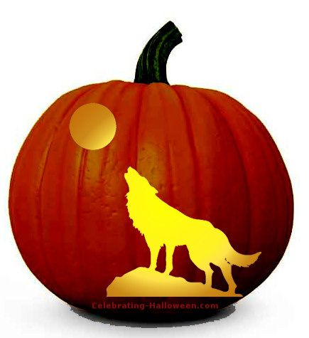 Wolf howling at the moon free pumpkin carving pattern halloween