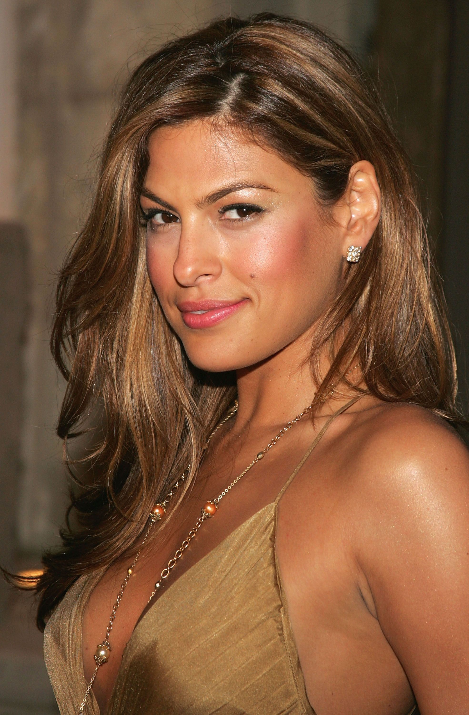 Eva Mendes Hair Color - Hair Colar And Cut Style |Eva Mendes Hair Color
