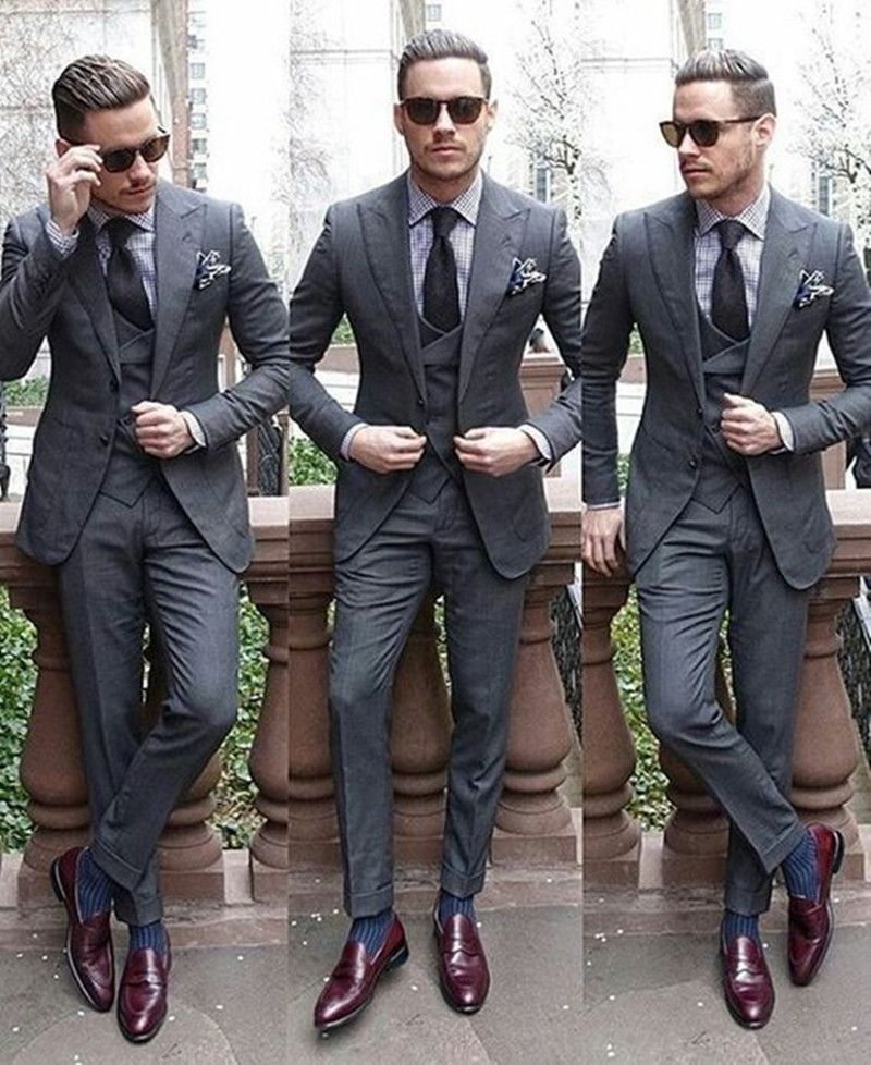 New Groomsmen Dark Grey Groom Tuxedos Peak Lapel Men Suits Wedding