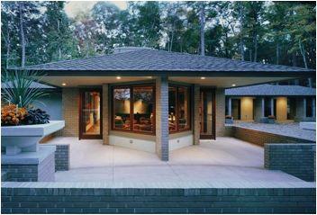 Frank Lloyd Wright Prairie Style prairie house in the virginia woods | gelotte hommas architecture