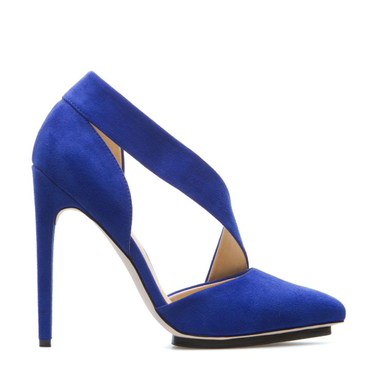 Gwen Stefani high heels | Heels, Gwen stefani shoes, High