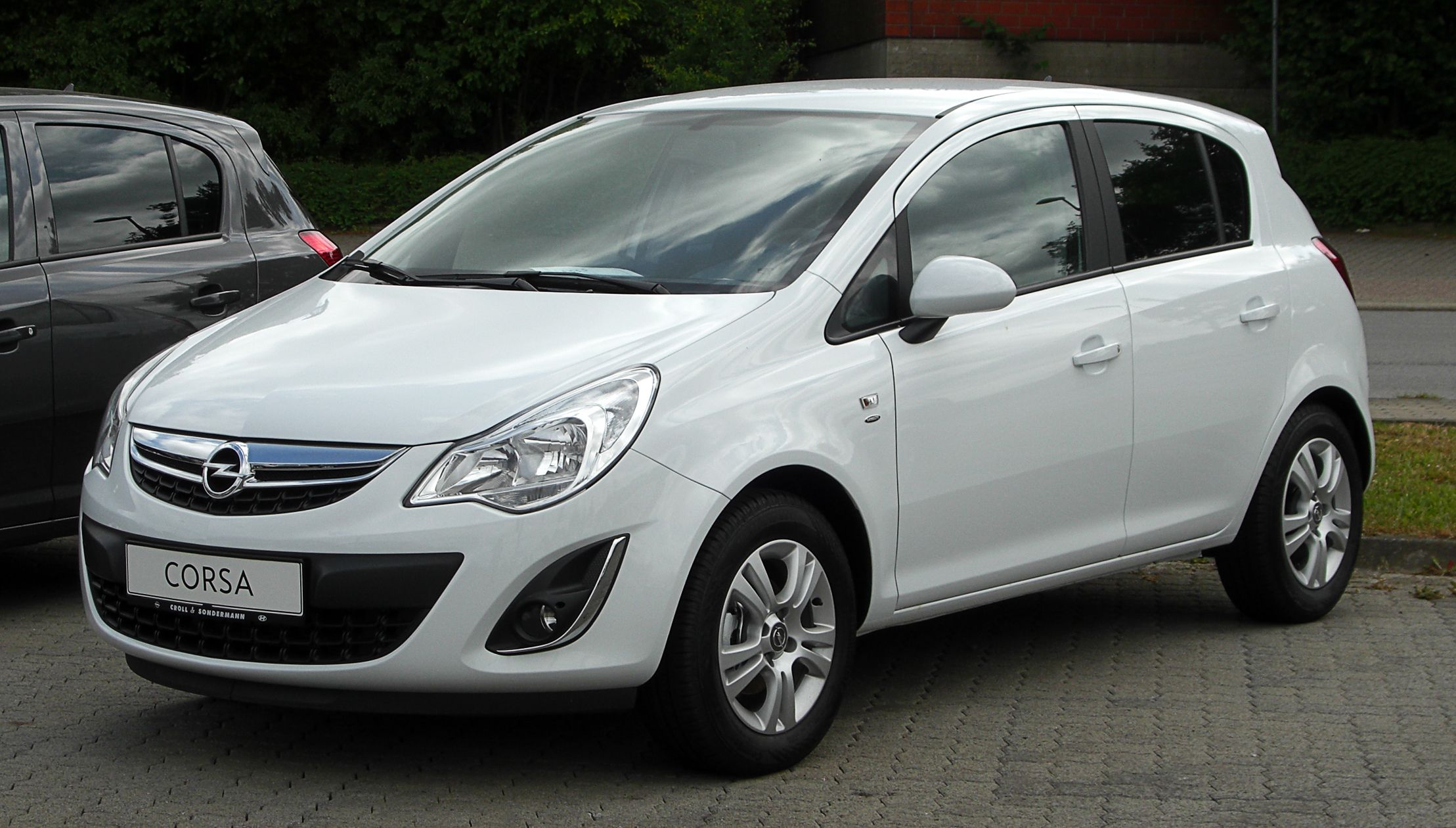 vauxhall corsa automatic and manual models cars vans and rh pinterest ca Vauxhall Corsa Trunk Space opel corsa automatic manual