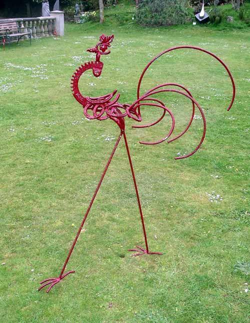 A Peacock Sculpture With Metal Avec Images Art De Jardin En Metal Objet Decoration Jardin Decorations De Jardin En Metal