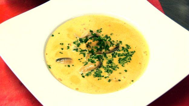Mussel and saffron soup  recipe (soupe de moules au saffran)
