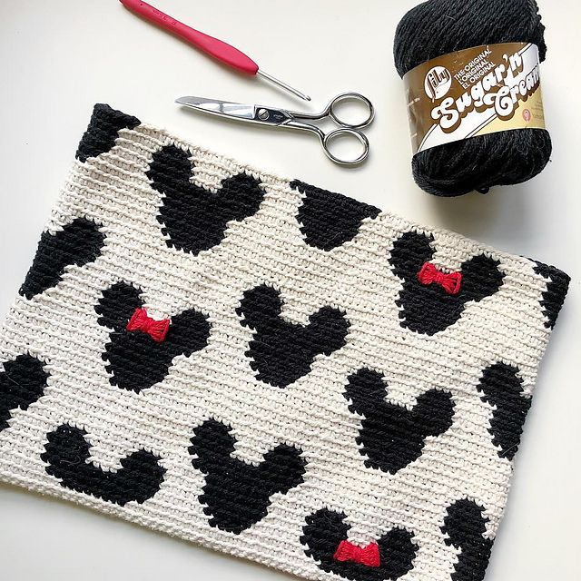 Mickey Zipper Pouch   Pinterest   Single crochet stitch, Tapestry ...