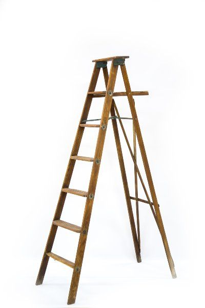 Wooden Step Ladder 6 Foot Vintage Folding Wooden 6 Step Ladder With Painter S Tray Www Oshkosheventrental Com Wooden Steps Step Ladders Ladder