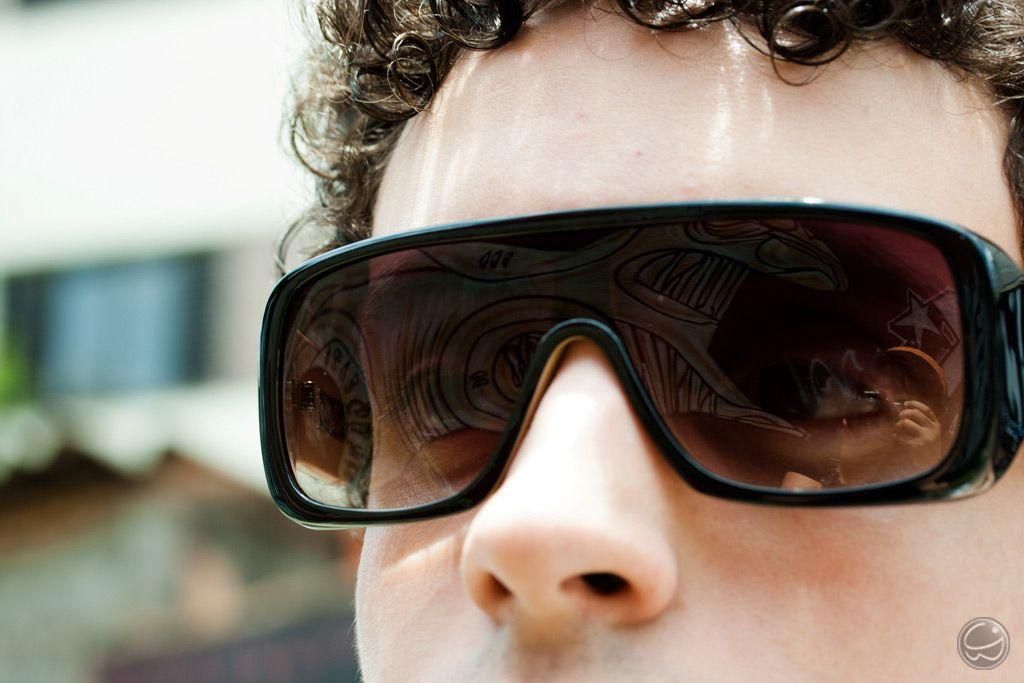 230b7227a Um óculos com estilo máscara tem que ser o Amplifier, sucesso da Evoke. 8