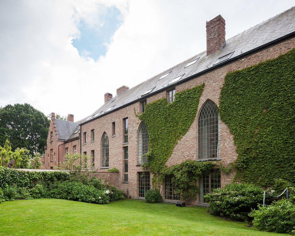 91ceda6791 Home in a Converted Chapel for Sale in Antwerp