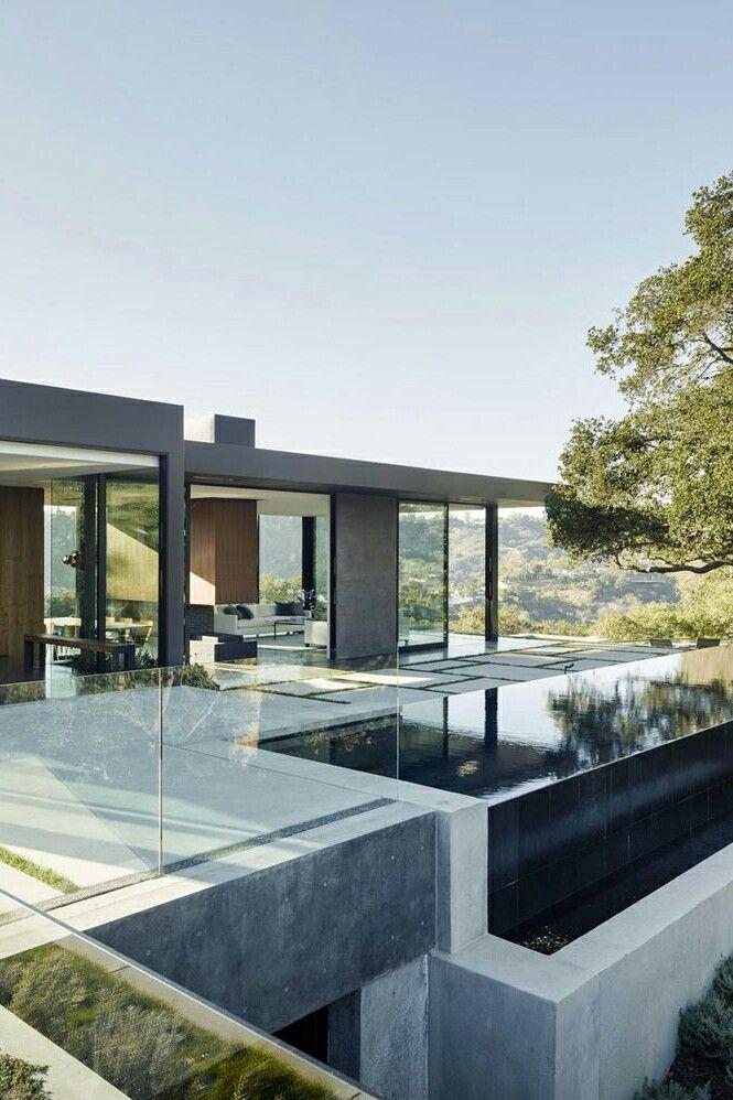 Modernes Haus, moderner Pool und eine tolle Lage Garten