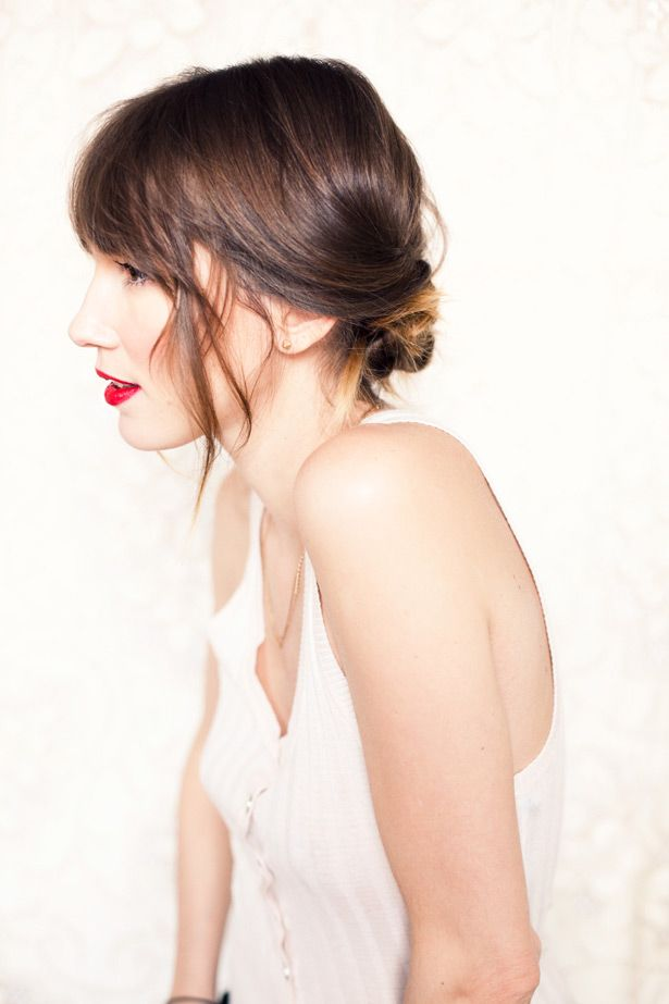Chic low chignon DIY wedding hairstyle- get the look in 5 minutes ...