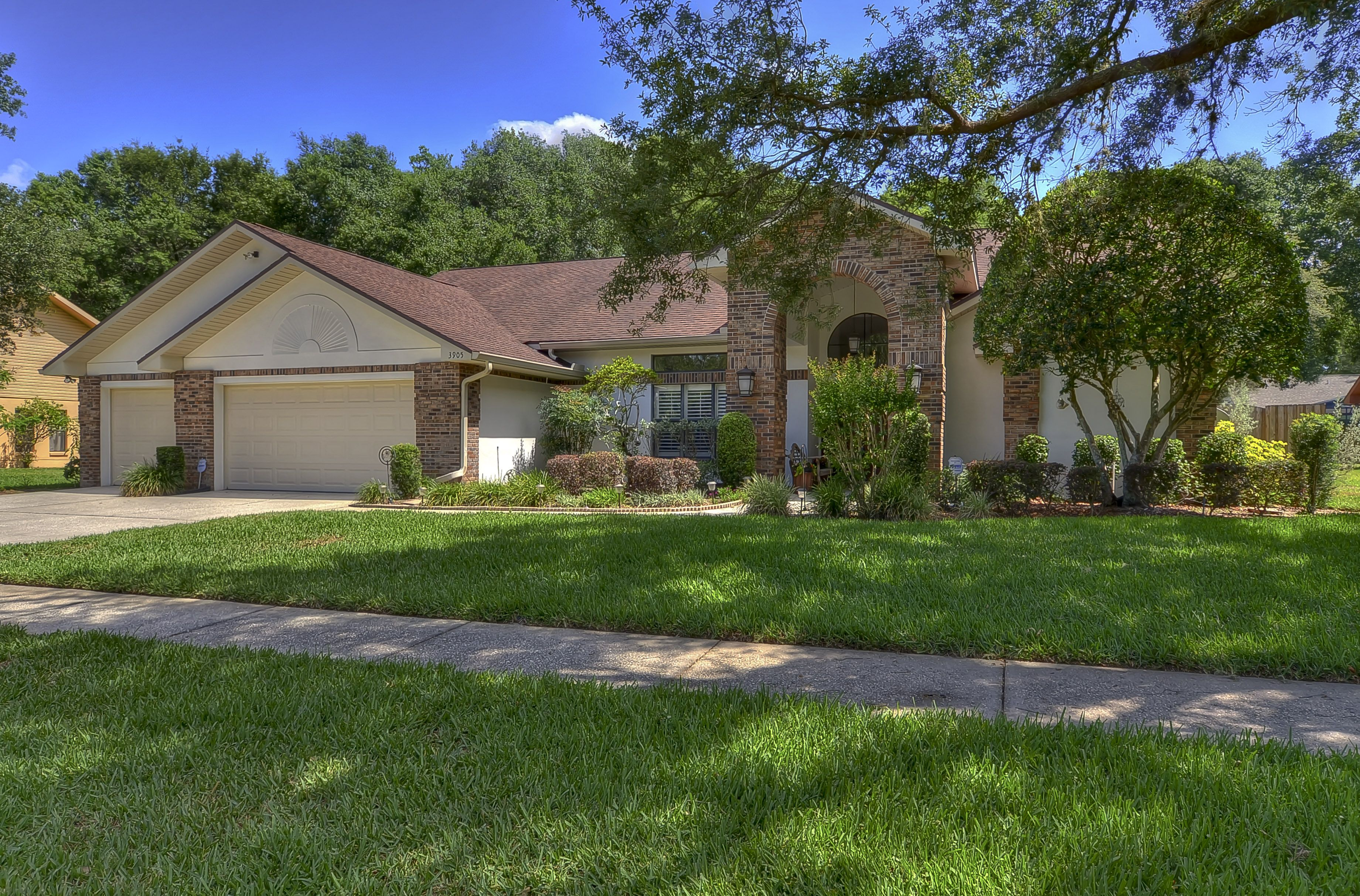 3905 Buckingham Loop DrThis house is extraordinary with all upgrades & remodeling done for you!