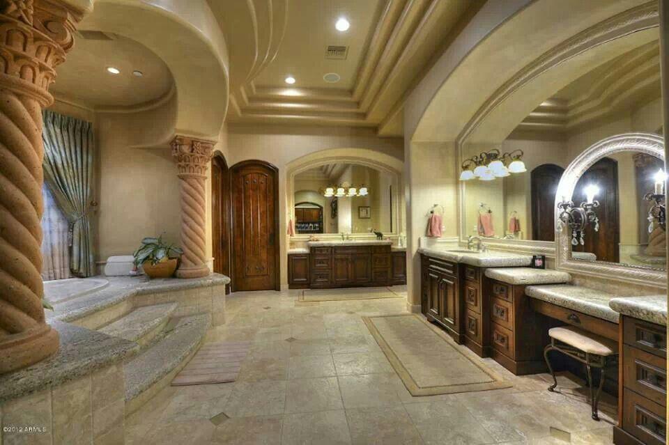 Biggest Bathroom I Ve Ever Seen So Gorgeous Mansion Bathrooms Master Bathroom Design Mansions
