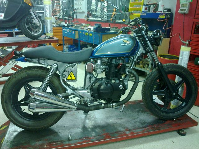 Honda Cm400t From Spain Bob Chop Track I Dont Know New Pics Page 1 Bob And Chop Do The Ton Vintage Honda Motorcycles Cafe Bike Cafe Racer