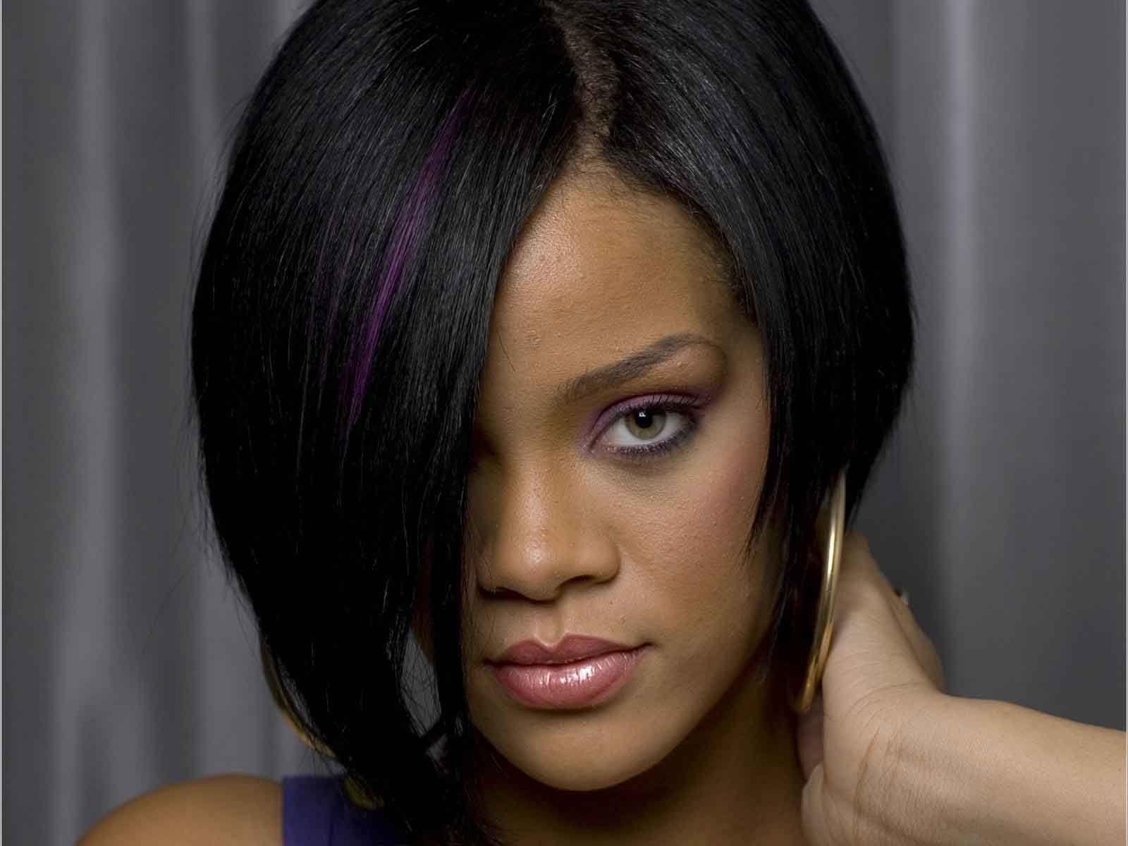 Singger Rihanna Long Bob Haircuts For Party 2012 Sheplanet Bob Frisur Frisuren 2018 Wellige Frisuren