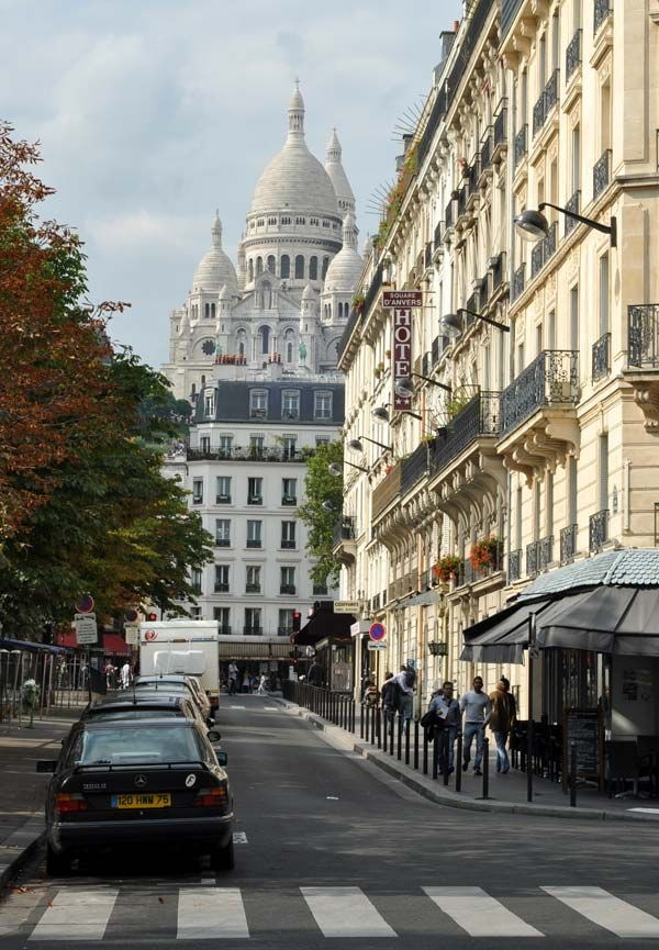 Montmartre Paris Beautiful And Eclectic District In