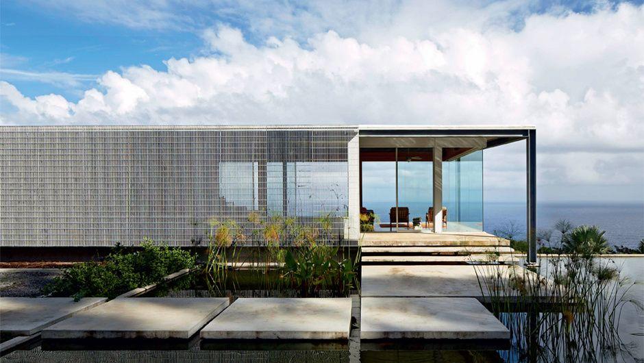 9 fachadas que aliam privacidade, estética e conforto térmico