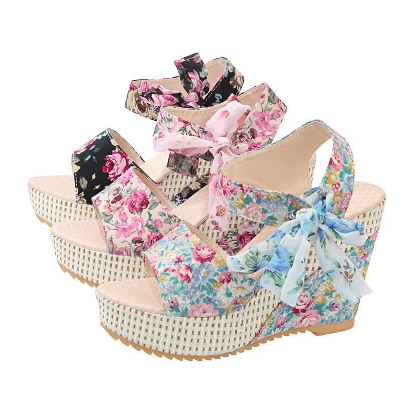f84e83956fd7 Aliexpress.com   Buy Bohemian summer women sandals ankle strap lace up floral  printing leather
