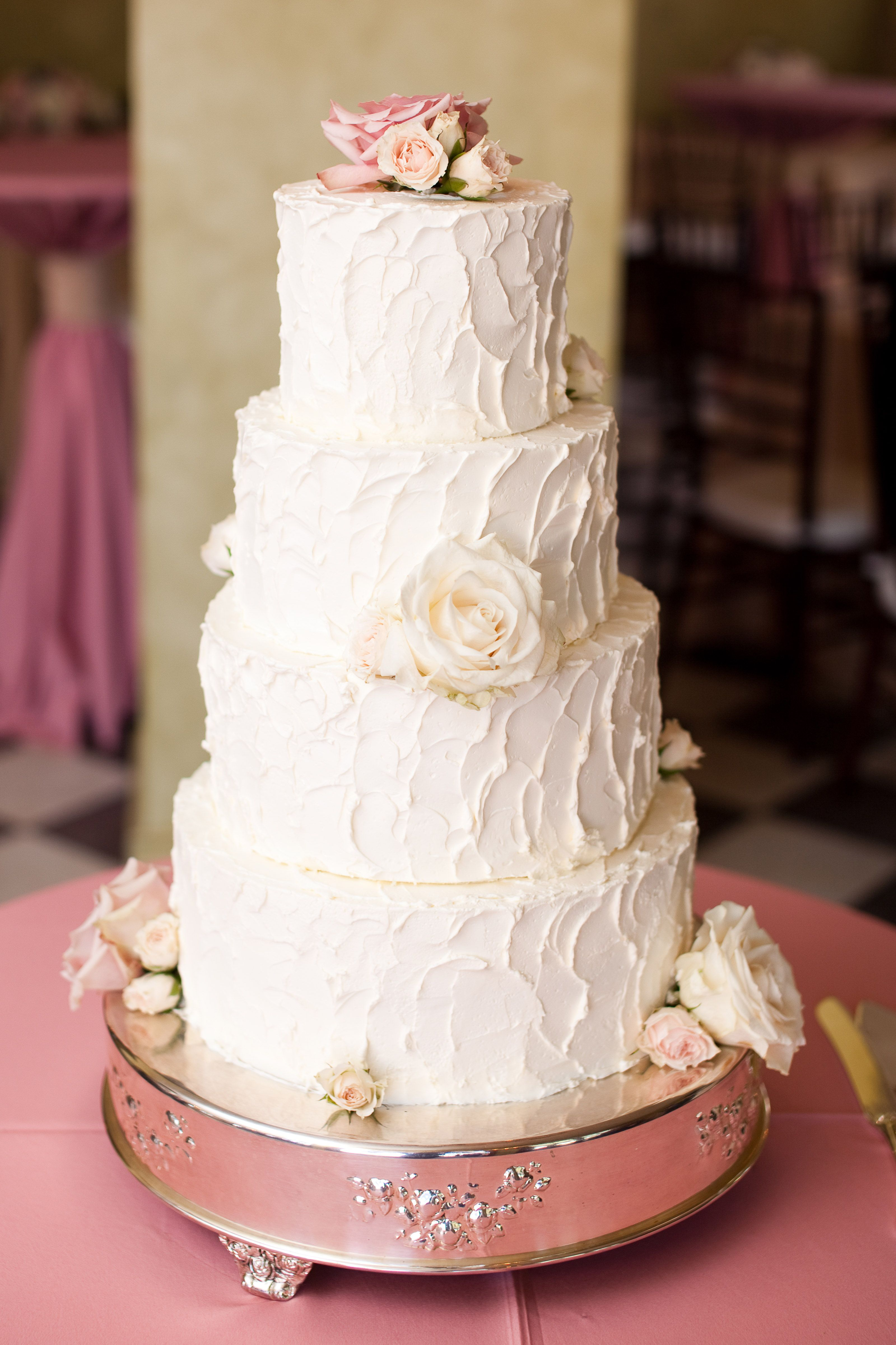 Buttercream Wedding Cake with Fresh Flowers 😘 | Fresh