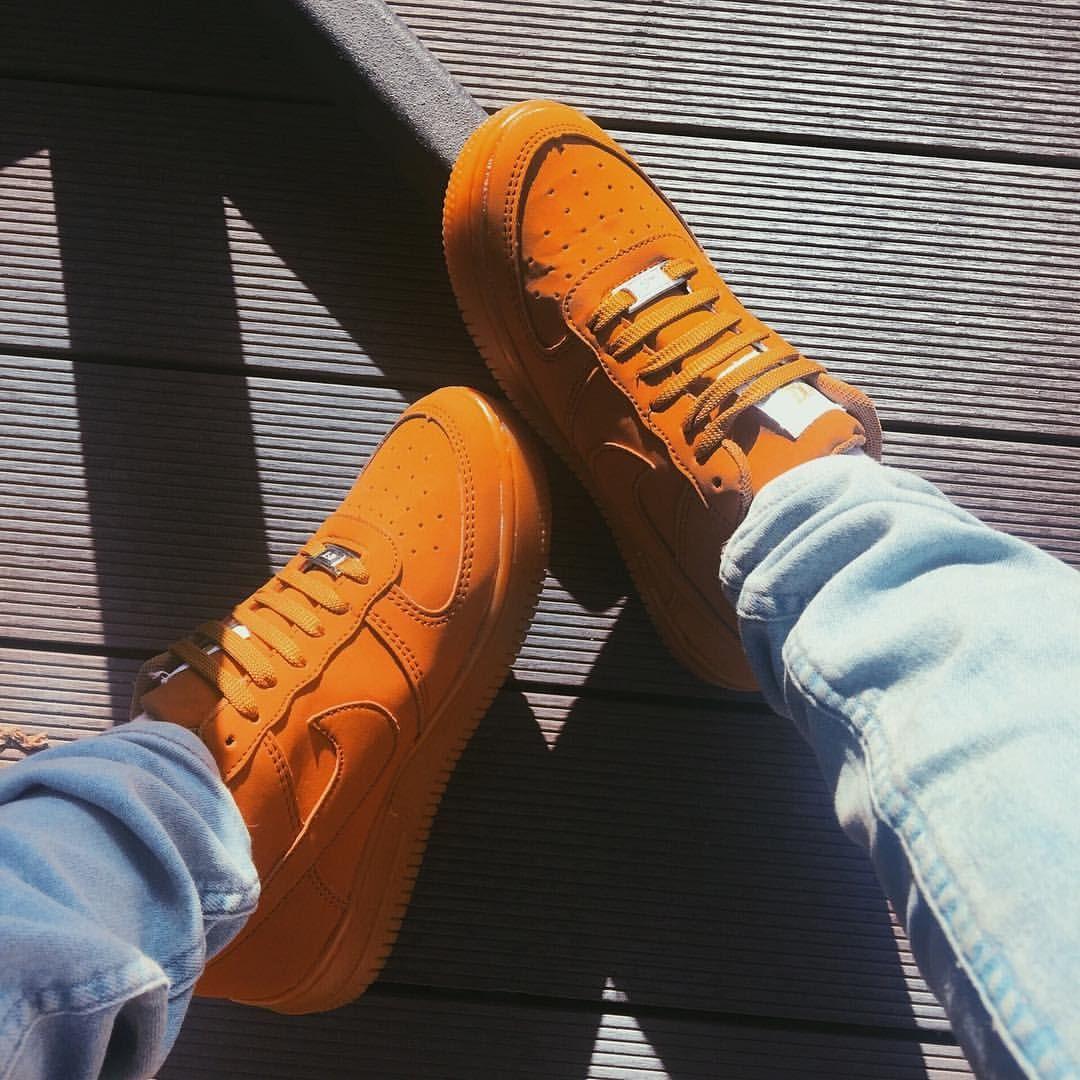 outlet store 565ce a4caf Tenis Nike cafés • Outfit ideas• Esta foto me gustó. Y pues la subo porque  Yesss 🌻 • • • • • • • • • outfits vsco nike like4like