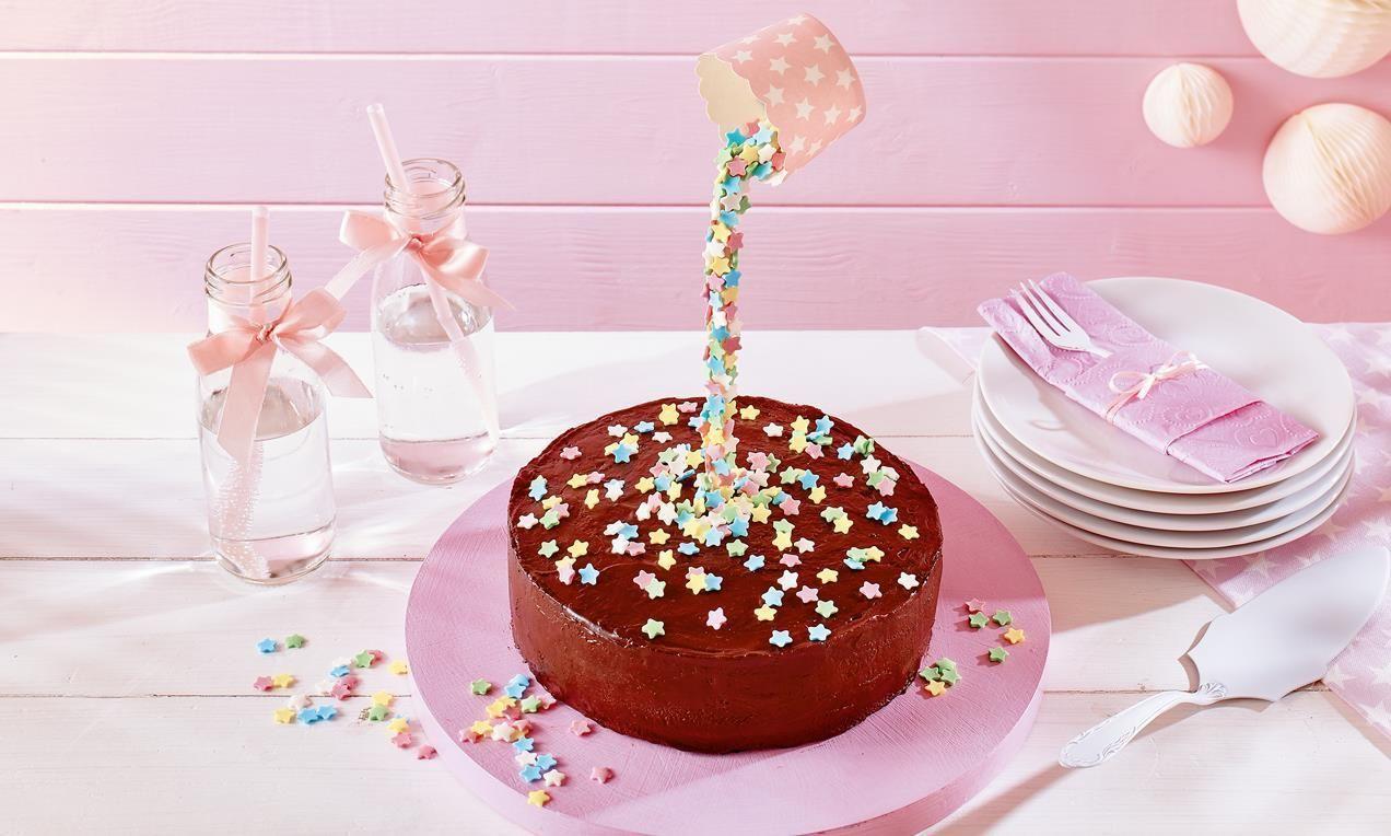 Kleine Torte Mit Sternregen Rezept Kindergeburtstagstorte Kleine Torten Und Kleiner Kuchen