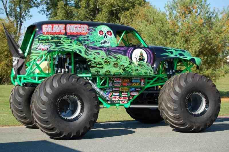 grave digger monster truck monster trucks pinterest moto et voitures. Black Bedroom Furniture Sets. Home Design Ideas