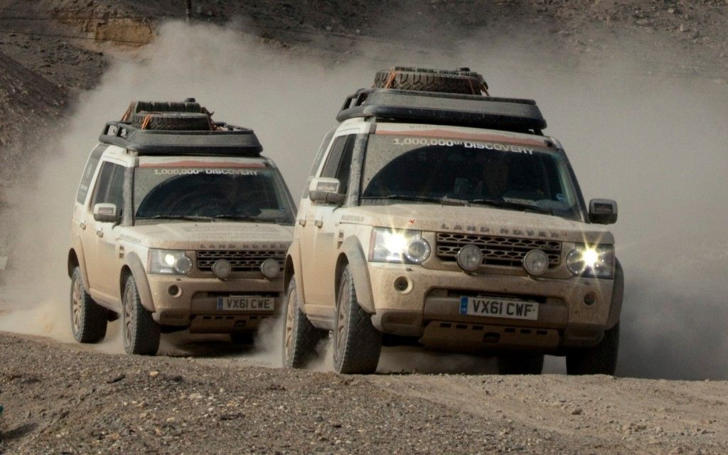 2013 Land Rover Lr4 Gear Heads Land Rover Off Road Truck Accessories Jaguar Land Rover